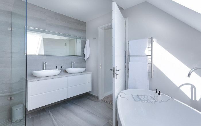 Malé koupelny v malém bytě