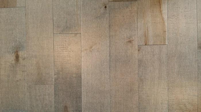 Laminátová podlaha do bytu aj domu